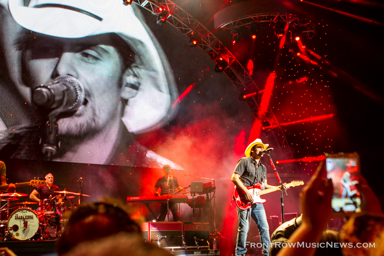 Brad Paisley Concert in Chicago