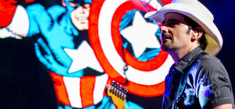 Brad Paisley Concert in Chicago: An American Saturday Night