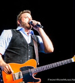 Randy Houser Shows Chicago How Country Feels 111