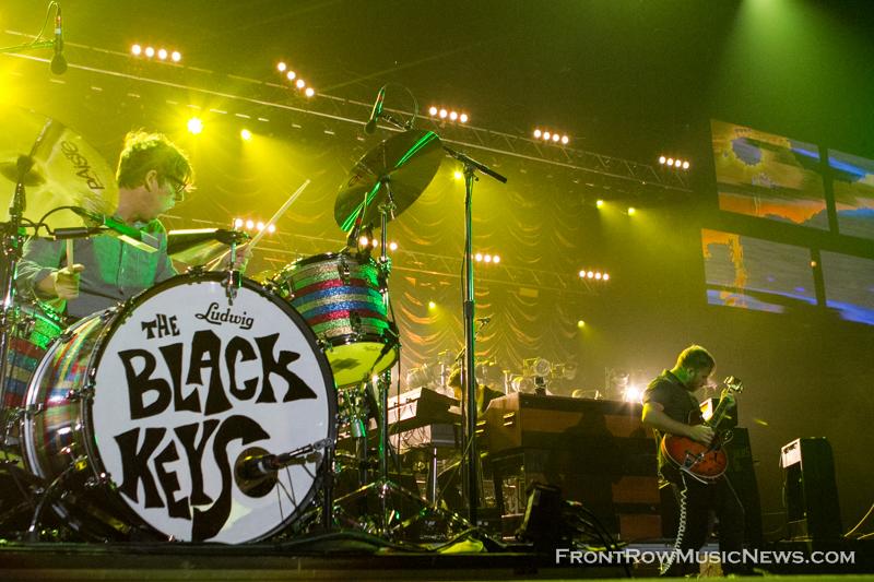 2014-The-Black-Keys-095
