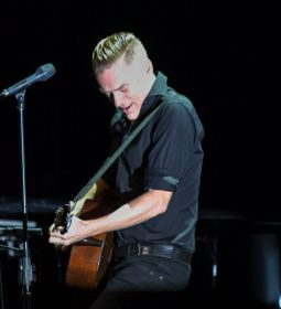 Bryan Adams Bare Bones 2014 Chicago