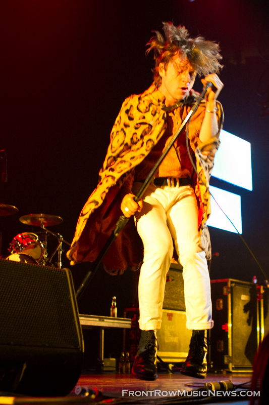 2014-Cage-the-Elephant-044