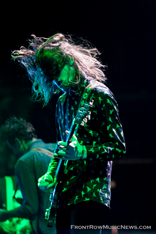 2014-Cage-the-Elephant-172