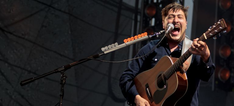 Mumford and Sons Perform Largest Gig Outside UK in Chicago
