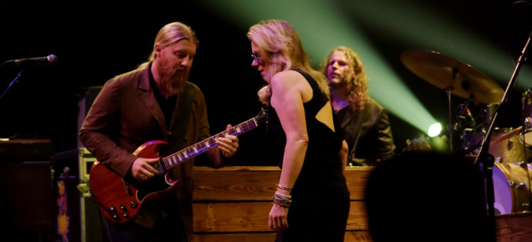 Tedeschi Trucks at Chicago Theatre