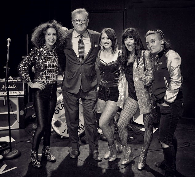 """Glam Skanks join DREW CAREY on """"Night Late"""" at USB"""