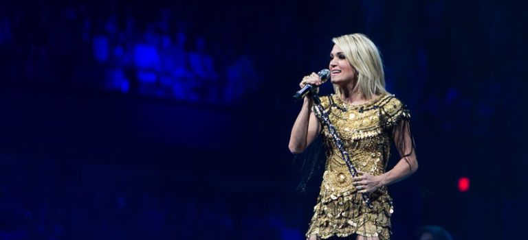 Carrie Underwood Shines at Allstate Arena in Rosemont