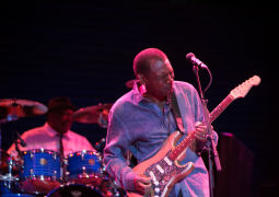 20160617-Robert-Cray-Band-015